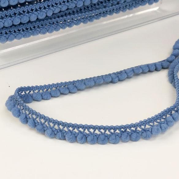 Pomponborte klein hellblau