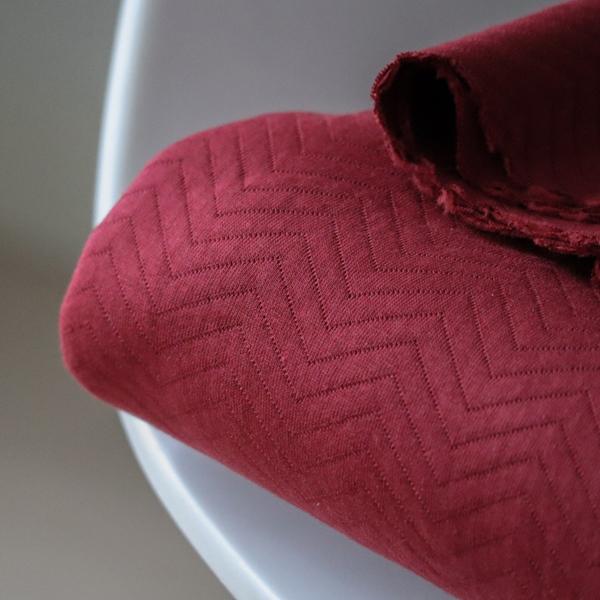 ORGANIC CHEVRON QUILT RED Doubleface