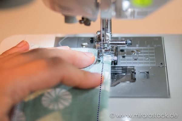Anleitung für eine Nähmaschinen-Hülle :-) *FOR FREE* 10