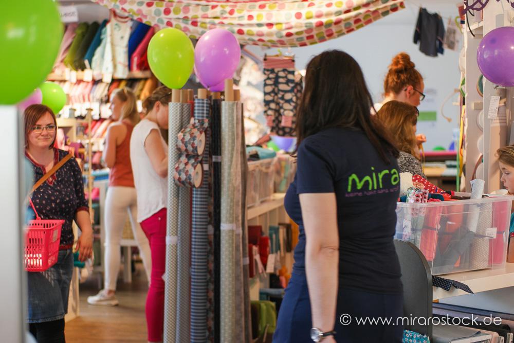 8 Jahre Mira mit 30% Rabatt auf Stoffe & Kleidung: jetzt auch online! 4