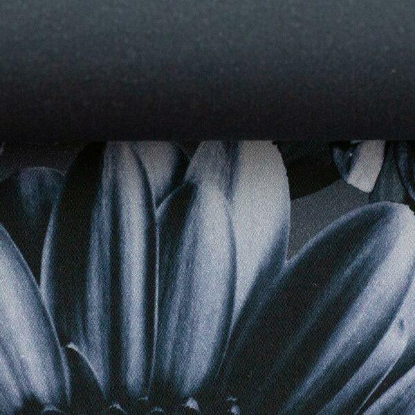 TINTED FLOWERS by Cherry Picking Baumwollsatin dunkles graublau