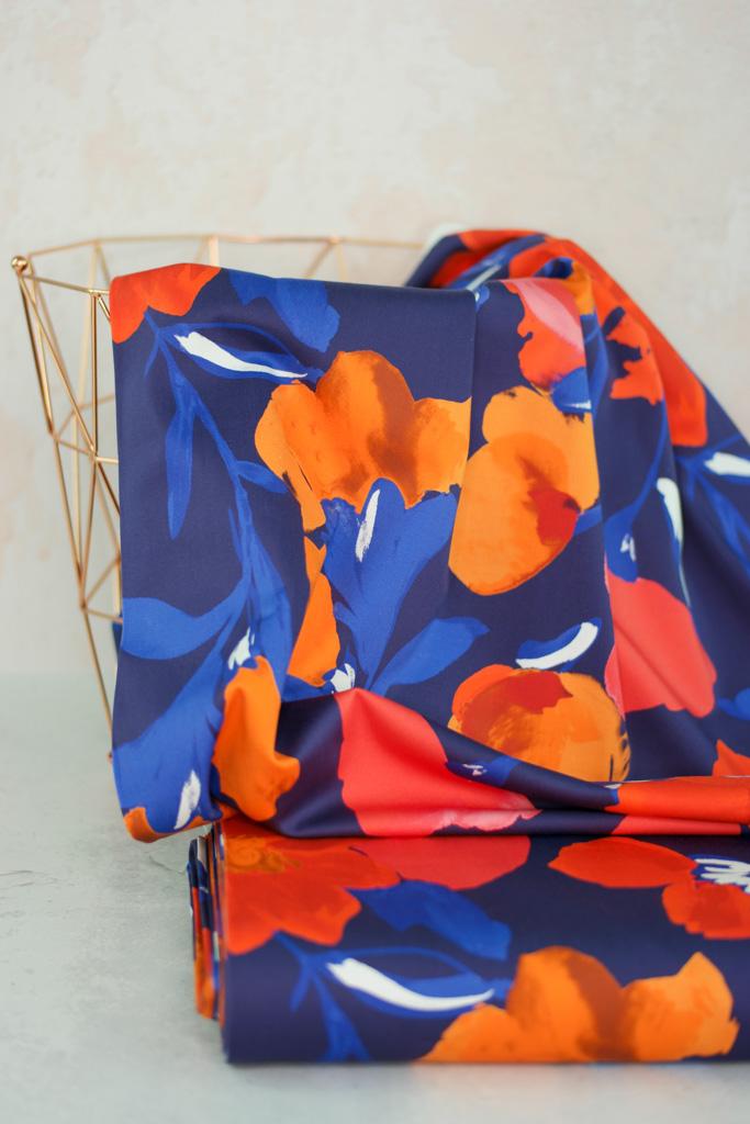 AZALEA Baumwollsatin grosse Blumen marine rot orange 1