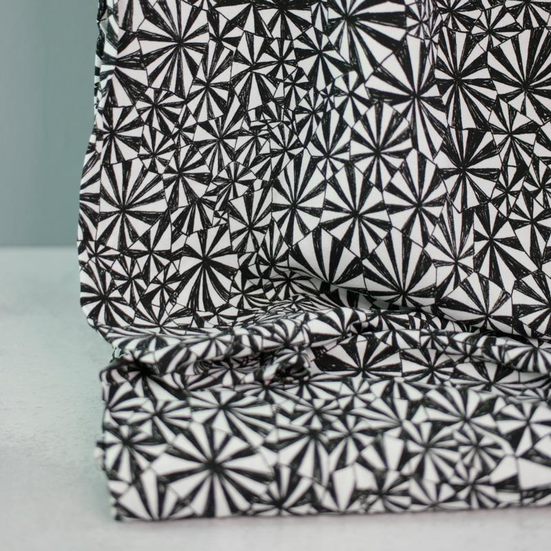 GEOMETRIQUE Viskose-Crepe Muster schwarz weiß 1