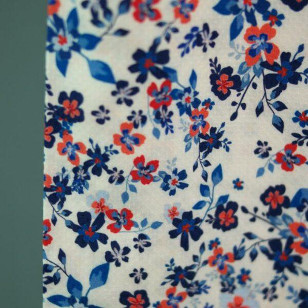 PETITE FLEURS Viskose-Pikee Blumen creme blau 3