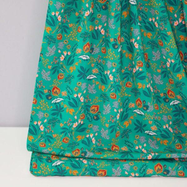 BRIGHT-GREEN-Viskose-Webware-Blumen-smaragdgruen-1