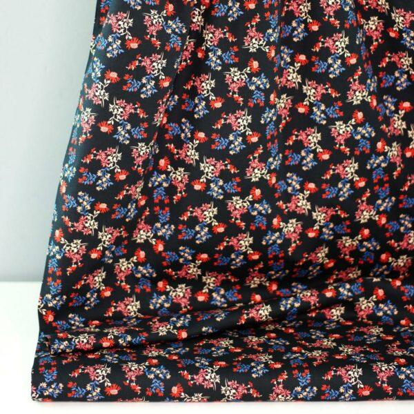 DRIED-FLOWER-PRINT-Baumwoll-Stretch-Blumen-schwarz-rot-blau-1