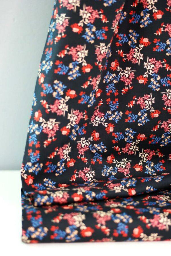DRIED-FLOWER-PRINT-Baumwoll-Stretch-Blumen-schwarz-rot-blau-3