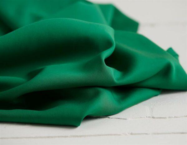 Meet MILK Viskose LYOCELL TWILL medium leaf green